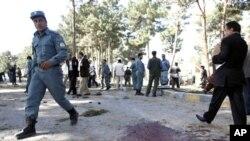 阿富汗警方在赫爾曼德省爆炸現場調查
