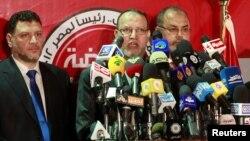 Esam el-Erian (u sredini), potpredsednik Muslimanskog bratstva, na konferenciji za novinare u Kairu