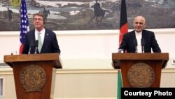 U.S. Secretary of Defense Ash Carter with Afghan President Ghani, July 12, 2016