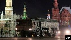 Оперативно-тактический ракетный комплекс «Искандер» (SS-26 Stone)