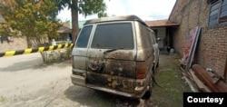 Mobil milik jurnalis Metro TV yang dibakar orang tak dikenal di Kabupaten Serdang Bedagai, Sumatera Utara, 31 Mei 2021. (Foto: istimewa)