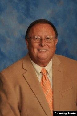 原美国环保局律师乔尔·敏茨
