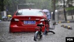 بیجنگ میں طوفانی بارشیں