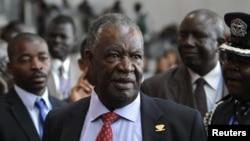 Tổng thống Zambia Michael Sata nói chuyện với các nhà báo tại hội nghị thượng đỉnh châu Phi lần thứ 18 tại Addis Ababa, Ethiopia.