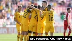 بازیکنان تیم ملی فوتبال آسترالیا در رقابت با فلسطین