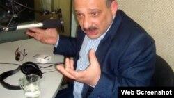 """Zerkalo"""" qəzetinin xüsusi müxbiri Rauf Mirqədirov cümə günü Ankarada saxlanılıb"""