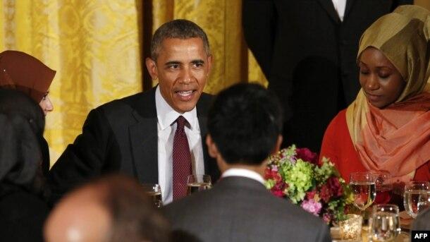 ABŞ prezidenti Barak Obama ənənəvi olaraq hər il Ağ Evdə iftar məclisi keçirir.