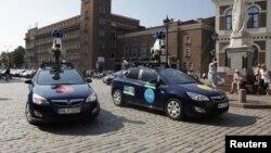 """Mobil """"Street View"""" milik Google yang digunakan untuk memotret jalanan di seluruh dunia, untuk aplikasi peta Google Maps. (Foto: Dok)"""