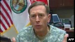 负责中东和中亚事务的美军司令彼得雷乌斯将军