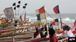 Thuyền đánh cá của ngư dân ở thành phố Nouakchott, Mauritania