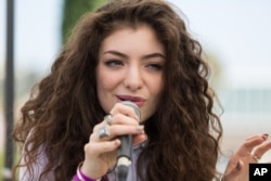 Recording artist Lorde performs an at the Alt 98.7 Penthouse inside the Hollywood Tower on Sept. 25, 2013 in Los Angeles.