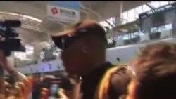 2013-09-03 美國之音視頻新聞: 前NBA明星洛文再訪北韓展開籃球外交