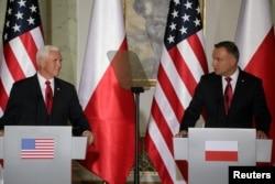 Вице-президент Майк Пенс и президент Польши Анджей Дуда провели переговоры в Варшаве 2 сентября 2019 года