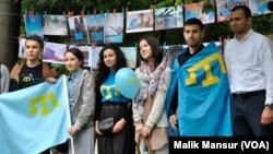 Milliy Majlis Qrim-tatarlarni birlashtiruvchi organ hisoblanadi