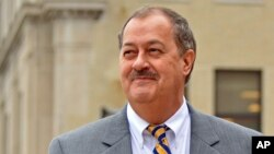 FILE - Ex-Massey Energy CEO Don Blankenship leaves the courthouse in Charleston, West Virginia, Oct. 1, 2015.