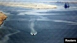 نمایی از کانال سوئز، عکس از آرشیو