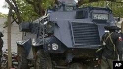 Corpos de vítimas,depois de confrontos de origem religiosa ocorridos em Maiduguri
