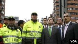 Durante su visita al lugar del atentado, el presidente de Colombia, Juan Manuel Santos, se comprometió a continuar la lucha contra el terrorismo.
