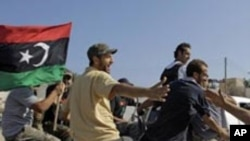 시르테로 집결하는 리비아 반군