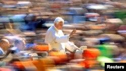 La renuncia de Benedicto XVI al máximo cargo de la Iglesia Católica tiene diversas reacciones a nivel mundial.