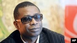 世界著名歌手优素·恩杜尔2011年2月26号宣布参加塞内加尔总统大选,并誓言要打败现任总统瓦德(资料照)