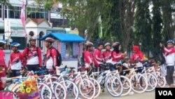 Partisipan Komunitas Sepeda Sehat Pidie Jaya terbesar pertama sebagian besar diikuti kalangan muda (Foto: dok).