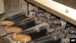 โรงงานทำขนมคุ้กกี้ทำนายโชคเปิดมาหลายชั่วอายุคนกลายเป็นส่วนหนึ่งของชีวิตคนในเมืองซีแอตเติ้ล