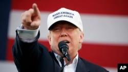 លោក Donald Trump ថ្លែងក្នុងយុទ្ធនាការមួយ កាលពីថ្ងៃទី២ ខែវិច្ឆិកា ឆ្នាំ២០១៦ ក្នុងក្រុង Miami។