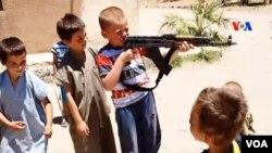 IŞİD'ın, Batı karşıtı radikal görüşlerinin gelecek kuşaklara aktartarmak istediği ve çocuk intihar bombacıları yetiştirdiği biliniyor