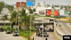 El ejército ya había asumido las funciones de policía en algunas municipalidades, sobre todo del norte del país, aunque Veracruz es el primer estado en el que se utiliza a marinos en esas labores.