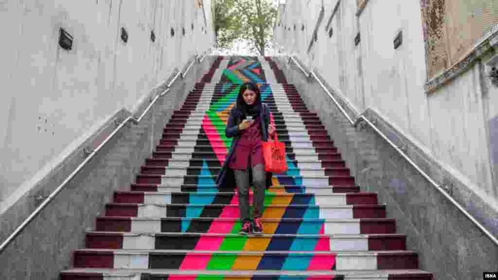 حال خوش تهران در روزهای اول سال نو. عکس: امیر خلوصی، ایسنا