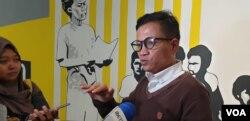 Direktur Eksekutif Amnesty International Indonesia Usman Hamid (foto: VOA/Sasmito Madrim).