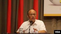 台湾行政院政务委员邓振中(美国之音林枫拍摄)