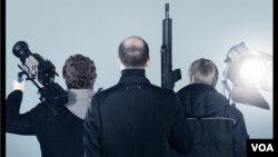 Постер к фильму «Снимать на поражение»