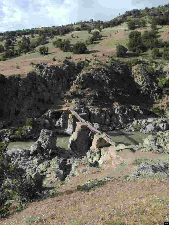 پل تاریخی قلعه تاسیان از توابع شهرستان سردشت عکس: محمد رایانه (ارسالی از شما)