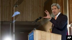 Ngoại trưởng Mỹ John Kerry phát biểu về chính sách của Mỹ ở châu Phi tại vườn bách thảo Gullele ở Addis Ababa, ngày 3 tháng 5, 2014.