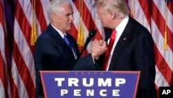 Майк Пенс и Дональд Трамп. Нью_Йорк. 9 ноября 2016 г.