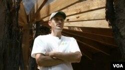 Sterling Allan, salah satu pembangun dan calon penghuni komunitas ramah lingkungan di Safe Haven.