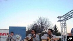 Мултиетничка Струга уживаше во звуците на Мариjачи империјал де Америка