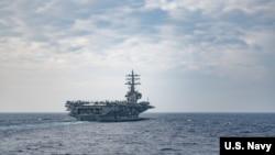 အေမရိကန္ ေလယာဥ္တင္စစ္သေဘၤာ USS Ronald Reagan.
