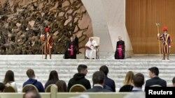 """""""Acompaño la iniciativa con oración y aliento a las partes a encontrar una solución pacífica para el bien de todos lo antes posible"""", indicó el Papa Francisco."""