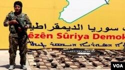 Pasukan SDF menangkap ISIS. (Foto: VOA)