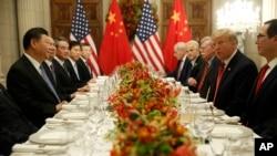 特朗普总统和习近平主席周末在阿根廷举行的G20峰会上会谈(美联社照片)