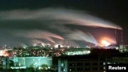 克麦洛伏市冬梅购物中心星期天起火