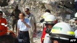 潘基文周日视察地震对联合国驻海地总部的损害