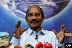 인도우주연구기구(ISRO) 카일라사바디부 시반 소장이 1일 기자회견을 갖고 새로운 달 탐사 계획을 공개했다.