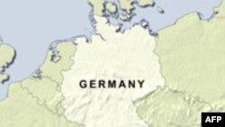 انفجار یک بسته کوچک در فرودگاه فرانکفورت موجب جراحت یک نفر شد