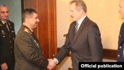 ABŞ səfiri Robert Sekuta müdafiə naziri Zakir Həsənovla görüşüb