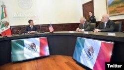 Los secretarios de Seguridad Nacional de Estados Unidos, John Kelly y de Estado, Rex Tillerson, reunidos con el mandatario mexicano Enrique Peña Nieto.