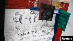 Bức ảnh ông Eric Garner tại khu vực tưởng niệm tạm thời, nơi ông đã tử vong sau khi bị cảnh sát bắt hồi tháng 7.